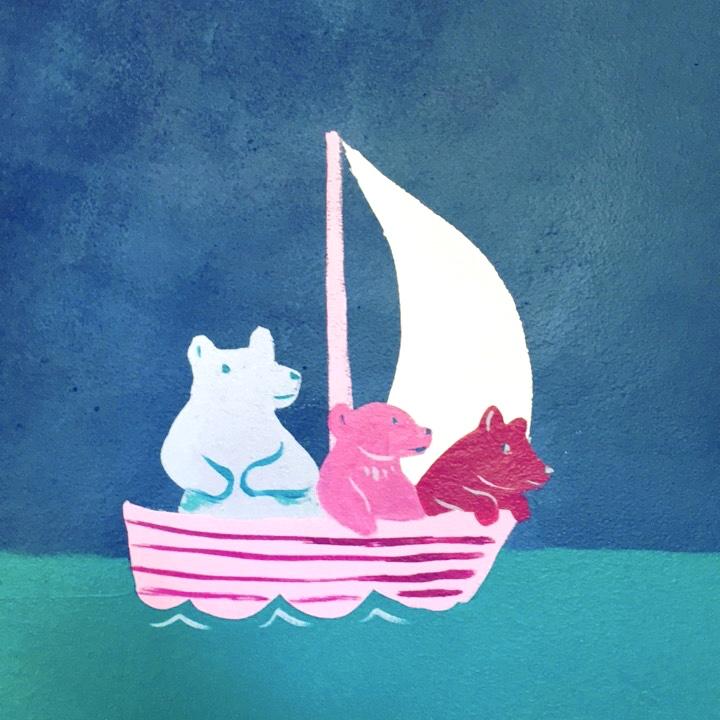 Family of bears sailing