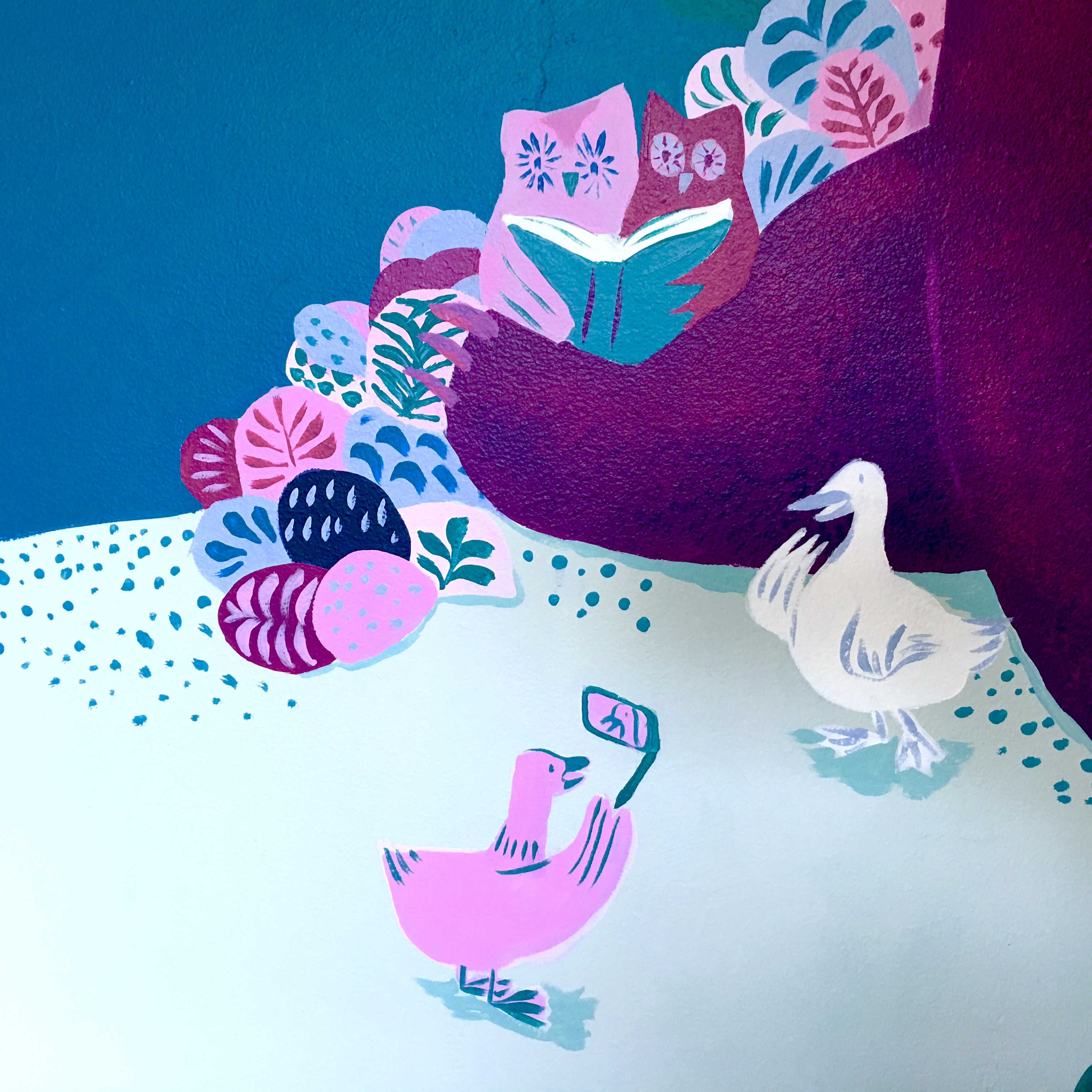 mural detail: owl's reading a bedtime story & ducks taking selfies